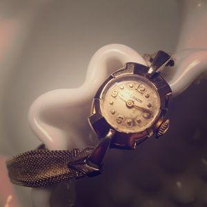 1940s LeCoultre 10k GF Watch